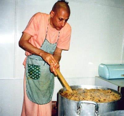 2011 GBC meetings – Radhanath's Food Relief Program