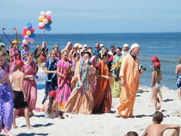 Indradyumna Swami Is More Pure Than Caitanya Mahaprabhu?